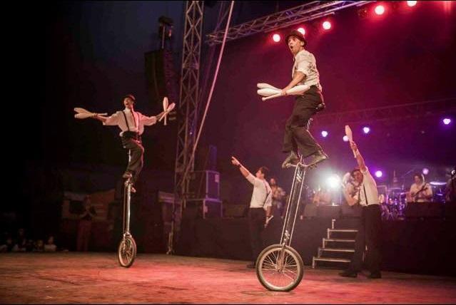 monociclo b c